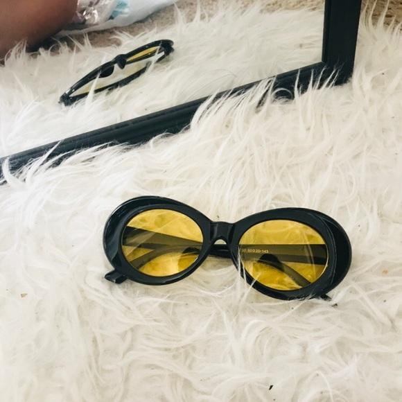1000408c5c6 Bumblebee Clout Oval Fashion Sunglasses Goggle